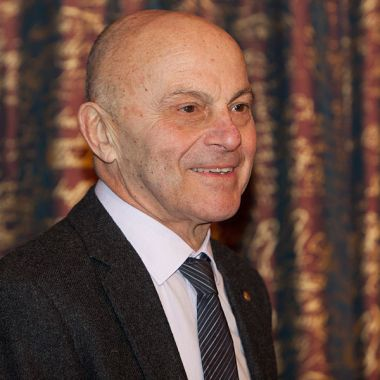 Eugene_Fama_at_Nobel_Prize,_2013